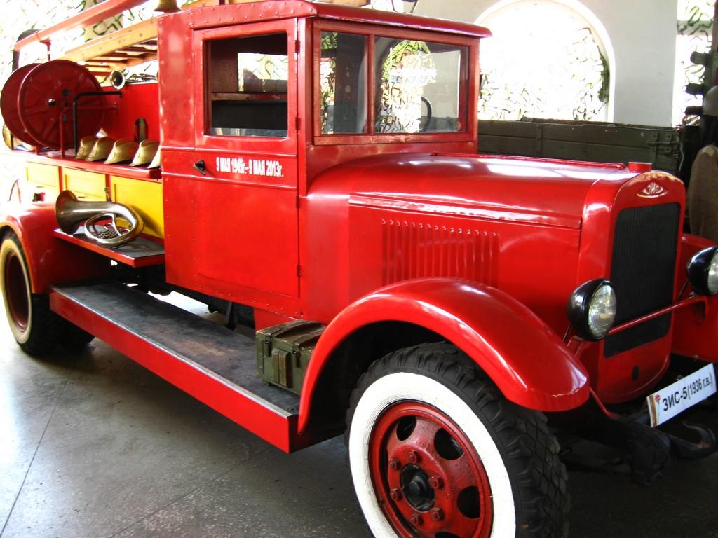 Пожежна машина «Зіс»