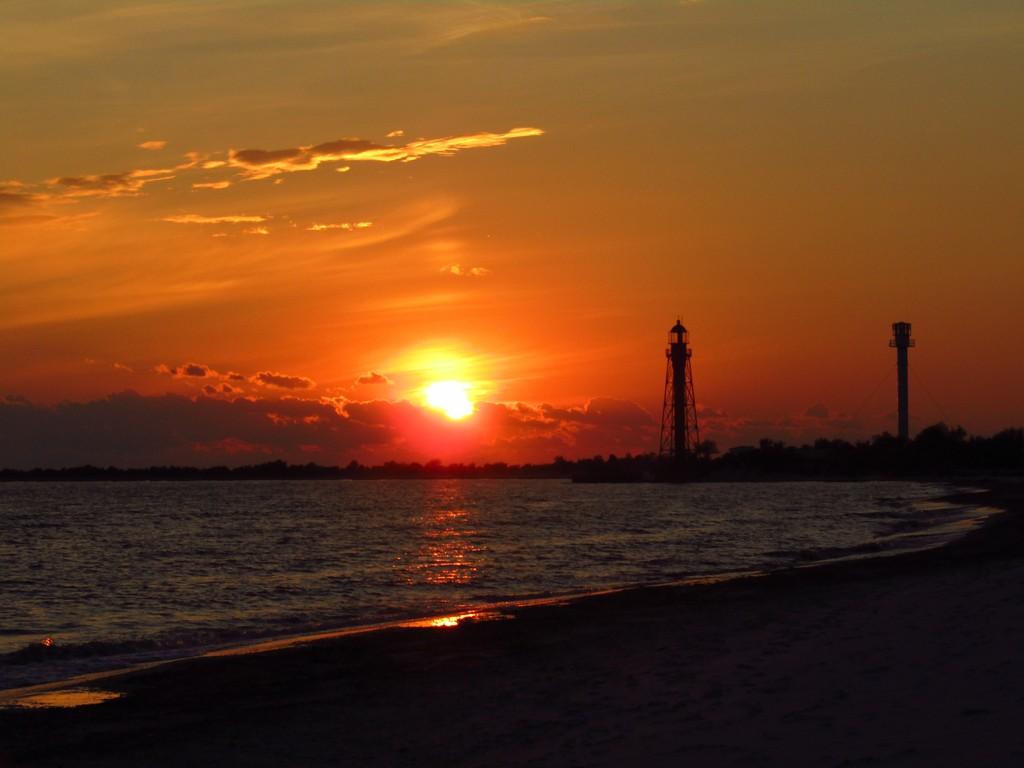 Захід сонця на Джарилгачі