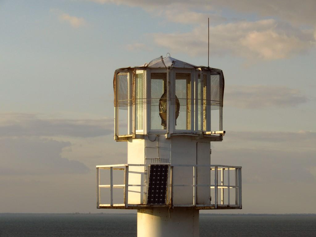Сучасний маяк на Джарилгачі