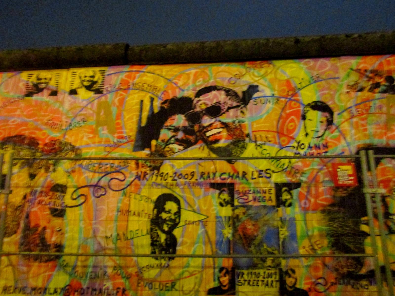Графіті покритий стіною