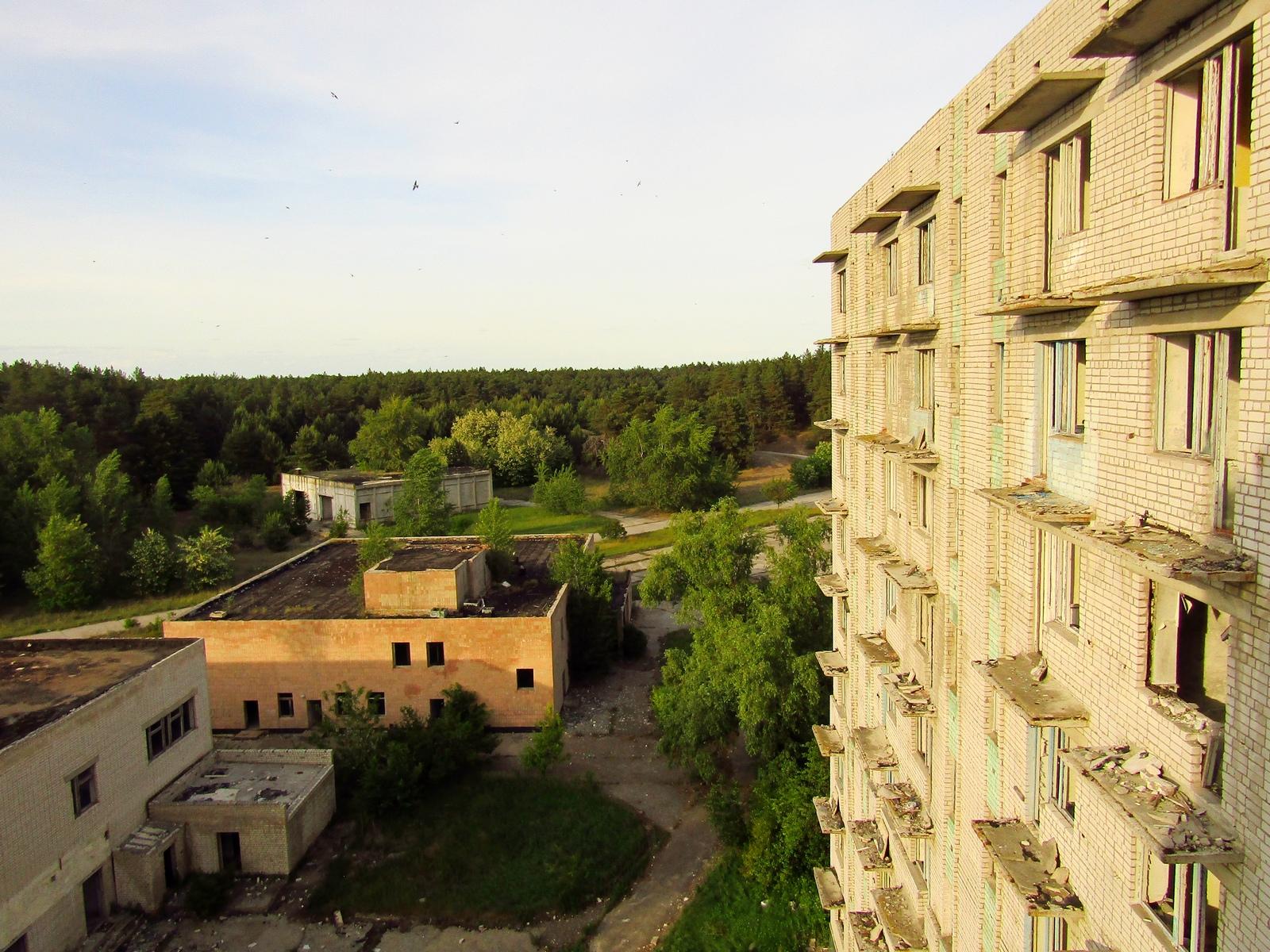 Вид на покинуте місто Орбіта