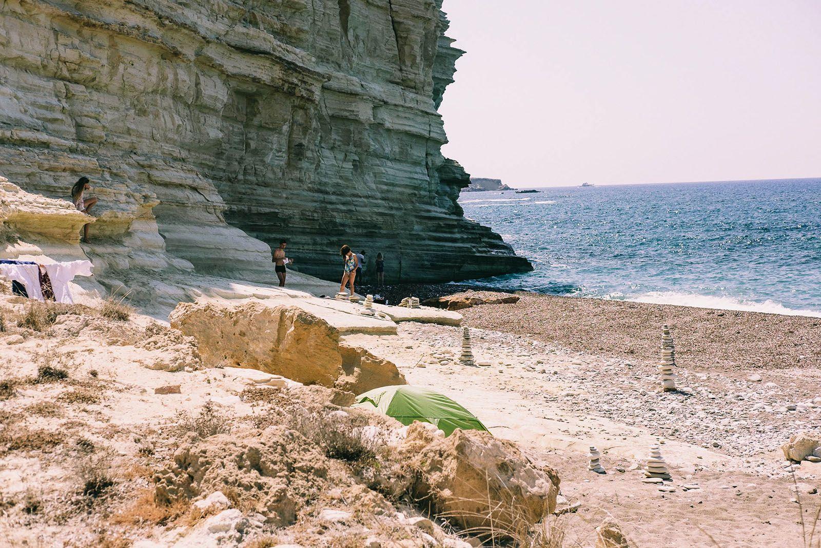 Безлюдний пляж на Кіпрі