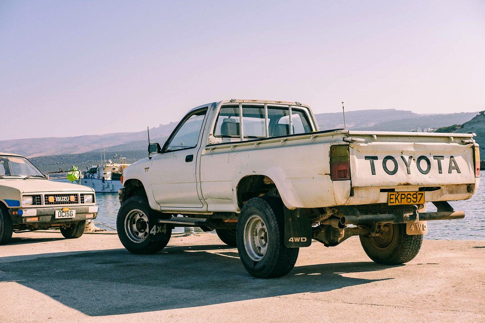 Старий пікап Toyota