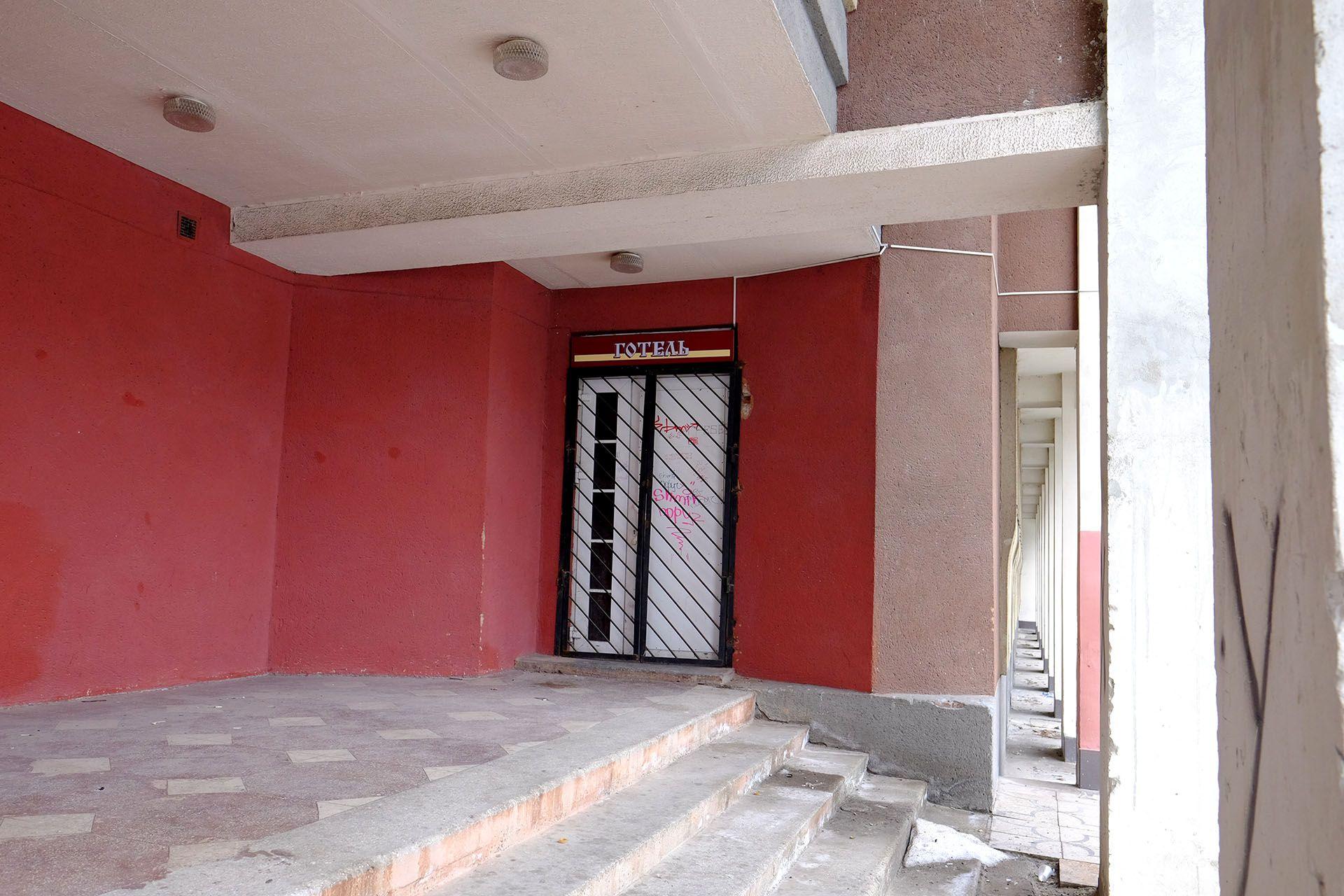 Крупним планом червоної цегли будівлі