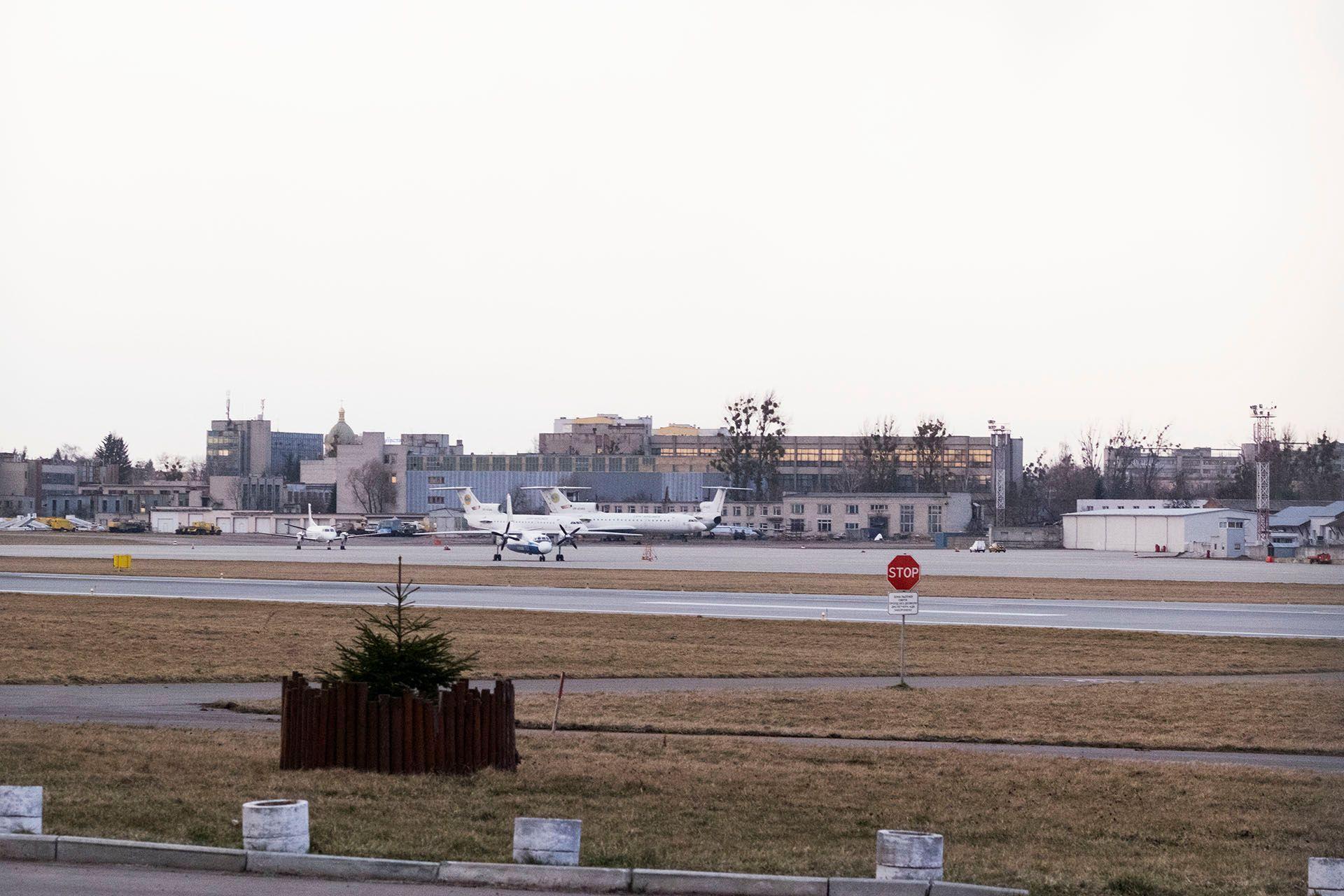 Літаки Як-42 Львівських авіаліній