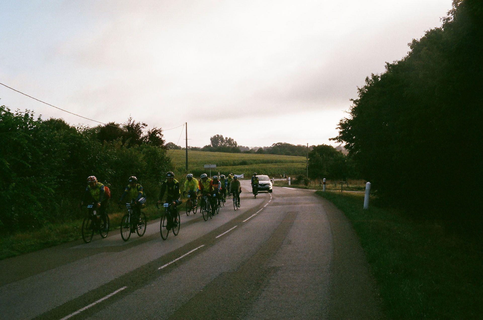 Колона велосипедистів