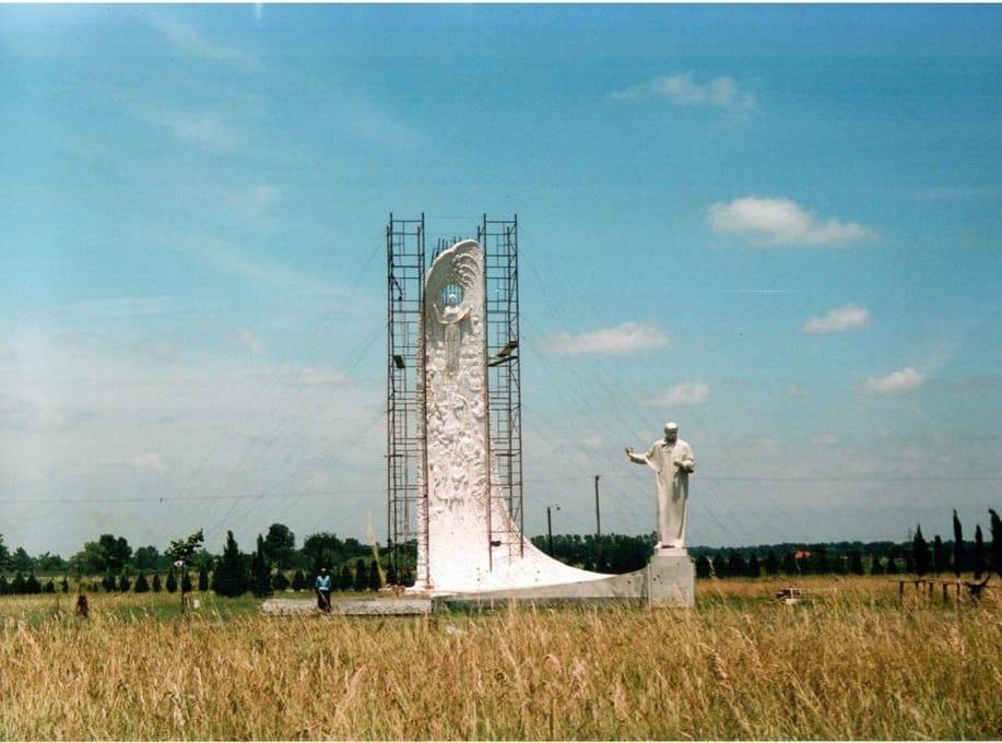 Гіпсовий макет пам'ятника Шевченку в Аргентині